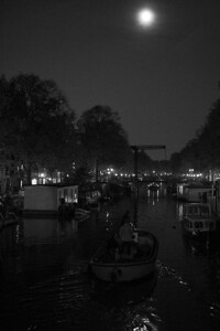 285 | night on the canal