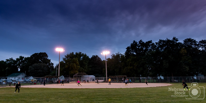 9-27-2018<br /> <br /> 270/365<br /> <br /> Thursday night lights Golden Girls style. <br /> <br /> Photo taken with a Sony RX100M4<br /> <br /> ISO 500<br /> <br /> 1/100th at F4<br /> <br /> (165322)