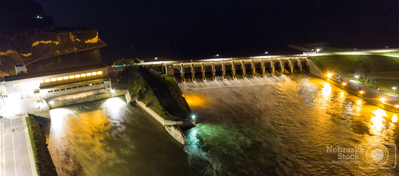 7-20-2018<br /> 201/365<br /> Gavins Point Dam on the Missouri River. <br /> Photo taken with a DJI Mavic Pro<br /> ISO 400<br /> 4 seconds at F2.2<br /> (116923)