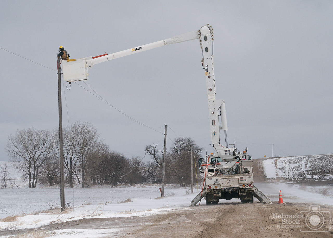 4-15-2018<br /> 105/365<br /> I spent the afternoon following an Elkhorn Rural Public Power crew that drove around the southern part of Madison County and repair down power lines that were brought down from the ice and wind from the winter storm we had Friday night and Saturday. <br /> Photo taken with a Sony A9 with a Sony FE 70-200 F4<br /> ISO 200<br /> 1/2500th at F8<br /> (58092)
