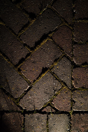 084 - diagonal or vertical lines