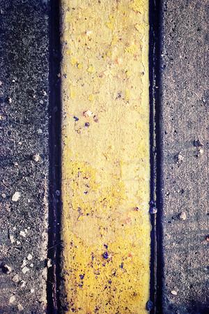 279: Contrast color v. neutral