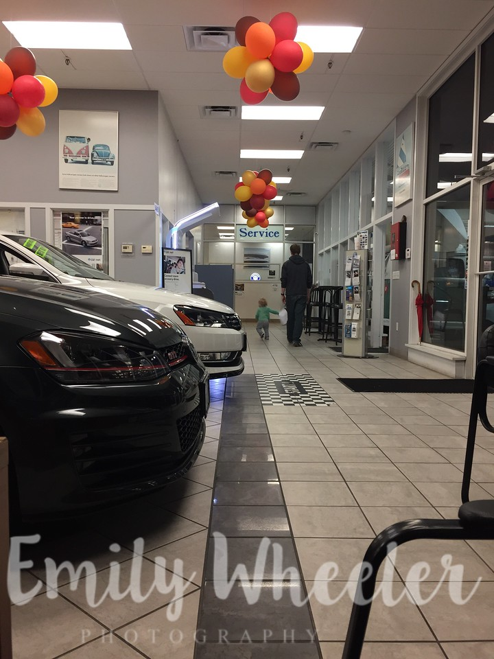 Day 326 | November 21st<br /> Playing while buying a new car