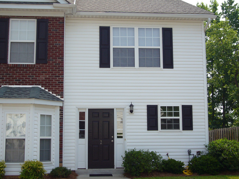 39 Magnolia Glen - Rosewood - $99k Excellent condition. 2 bedrooms each with a private bathroom. Half bath downstairs. All appliances included. Contact Burton Fowles (803) 600-6479 The Knight Company