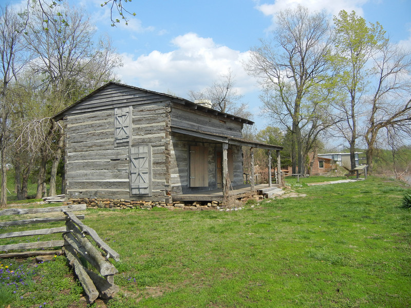 Front and side view of General Clark's cabin.  General Clark was a decorated Revolutionary War Hero under President George Washington.