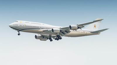 BRUNEI GOVERNMENT_B747-8LQ(BBJ)_V8-BKH_MLU_131118