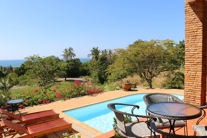 villa Issara swimming pool with sea views