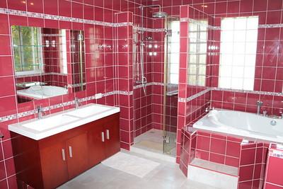 Issara Villa Ensuite Bathroom Klong Khong, Ko Lanta