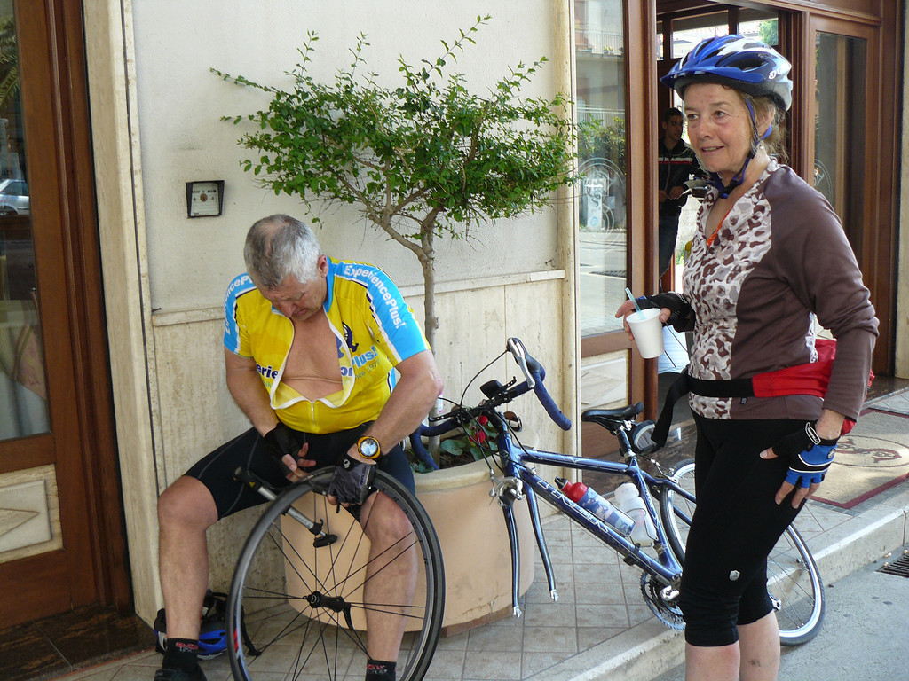 """On the ride to Tropea from San Giovanni  It's so important to have a """" mechanic"""" close by. The gas station we were at didn't offer any help!"""