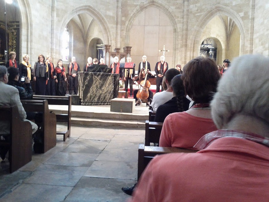 Inside the Sarlat Cathedral, this vocal group performed Monteverdi sacred works in an ancient setting.