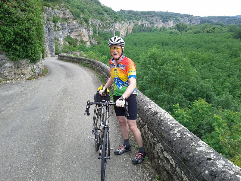 The back road up to Rocamadour: not flat!  Those sedimentary cliffs are crumbling, and overhang the road in some places.