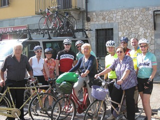 Group enroute to Pollenzo with locals - sweet ladies were so funny!
