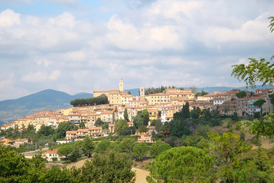 The hilltop town of Montescudaio on a perfect day in Tuscany