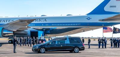 Saluting President Bush's arrival