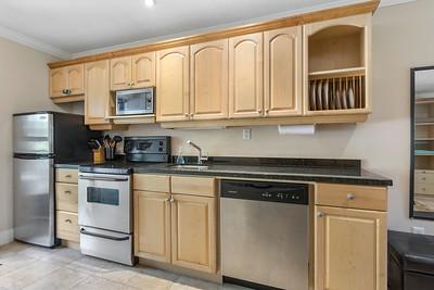 H415 Kitchen 1