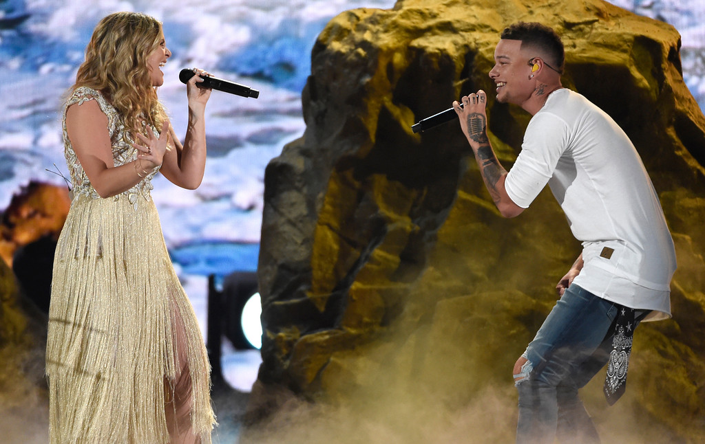 ". Kane Brown, right, and Lauren Alaina perform ""What Ifs\"" at the 53rd annual Academy of Country Music Awards at the MGM Grand Garden Arena on Sunday, April 15, 2018, in Las Vegas. (Photo by Chris Pizzello/Invision/AP)"