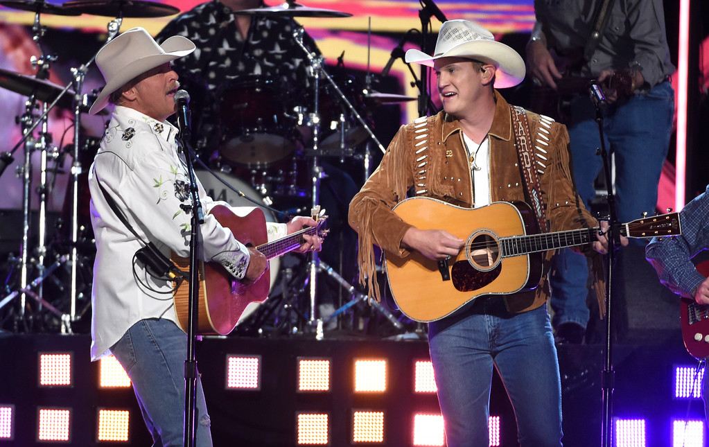 ". Alan Jackson, left, and Jon Pardi perform ""Chattahoochee\"" at the 53rd annual Academy of Country Music Awards at the MGM Grand Garden Arena on Sunday, April 15, 2018, in Las Vegas. (Photo by Chris Pizzello/Invision/AP)"