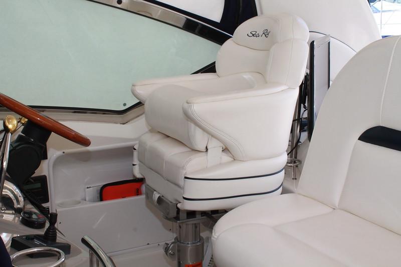 29 Helm Seat