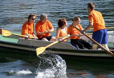 Weidling Schlagruder Langschiff 43.Nationale Basler Schlagrudermeisterschaft des VBWV 20.9.2003 beim Fischerclub Basel Ladys Weidling RhywŠlle 1 in Action