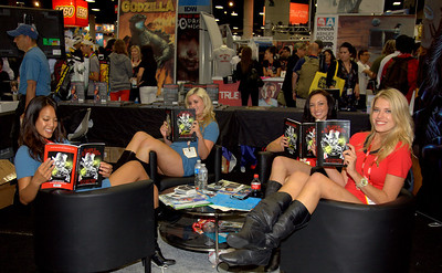San Diego Comic Con comiccon Comic-Con! International!  Booth Babes, Vampires, Zombies, Super Heroes, and More!