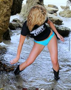 beautiful woman malibu swimsuit model 45surf beautiful 083.4.45.4