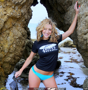 malibu matador swimsuit model beautiful woman 45surf 1002,.765,.
