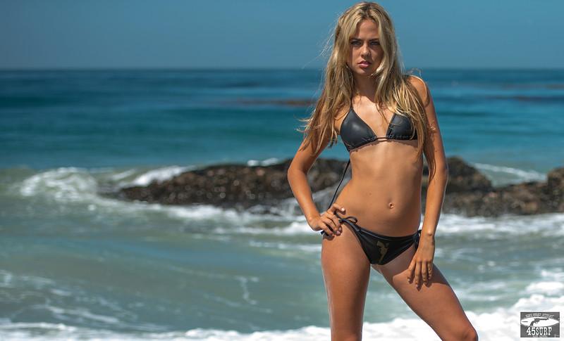 Nikon D800 Photos of Bikini Swimsuit Model Goddess
