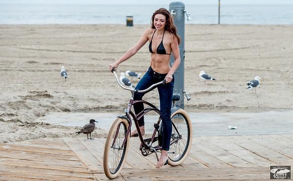 Green Eyes! Pretty Brunette in Santa Monica! Nikon D800   70-200mm VR2 F/2.8 Nikkor Lens Photos