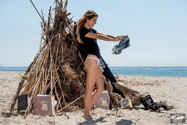Nikon D800E Photos Pretty Swimsuit Bikini Model Goddess Modeling Gold 45 Revolver Swimsuits & Lingerie !