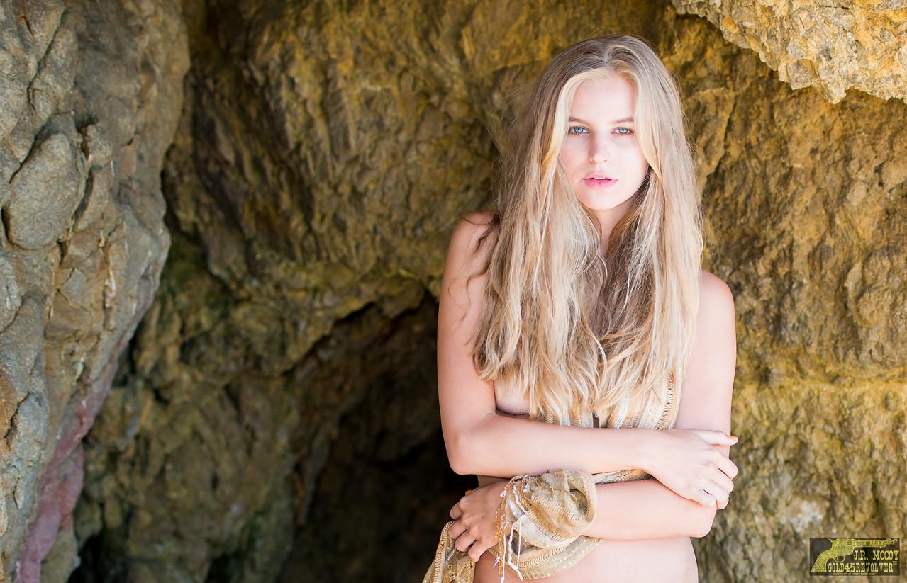Nikon D800 Photos Pretty Blue Eyes Wavy Blond Hair! Beautiful Swimsuit Bikini Lingerie Model Goddess! 70-200mm VR2 F2.8 Nikkor Zoom!