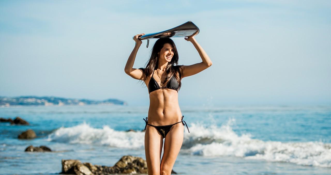 Nikon D800E Photos Pretty Brunette Swimsuit Bikini Model Goddess! Gorgeous Brown Eyes! Sharp Nikkor 70-200mm VR2 F2.8 Lens!