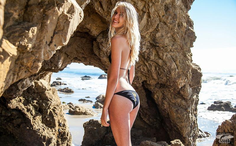 PRETTY! Canon 5D Mark II Photos of Beautiful Blonde Swimsuit Bikini Model Goddess with Pretty Blue Eyes !