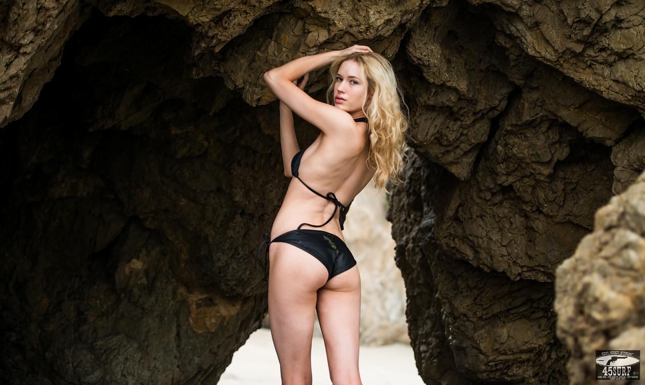 Tall Blond Swimsuit Bikini Model Goddess with Long, Pretty Legs! Nikon D800 + 70-200mm F2.8 VR2 Nikkor Zoom Lens Photos!