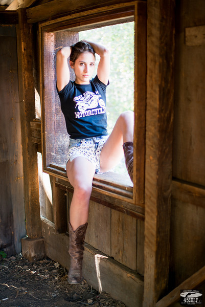 Beautiful Model Goddess in Daisy Dukes Short Shorts Cutoff Jeans!  Pretty, pretty, girls!