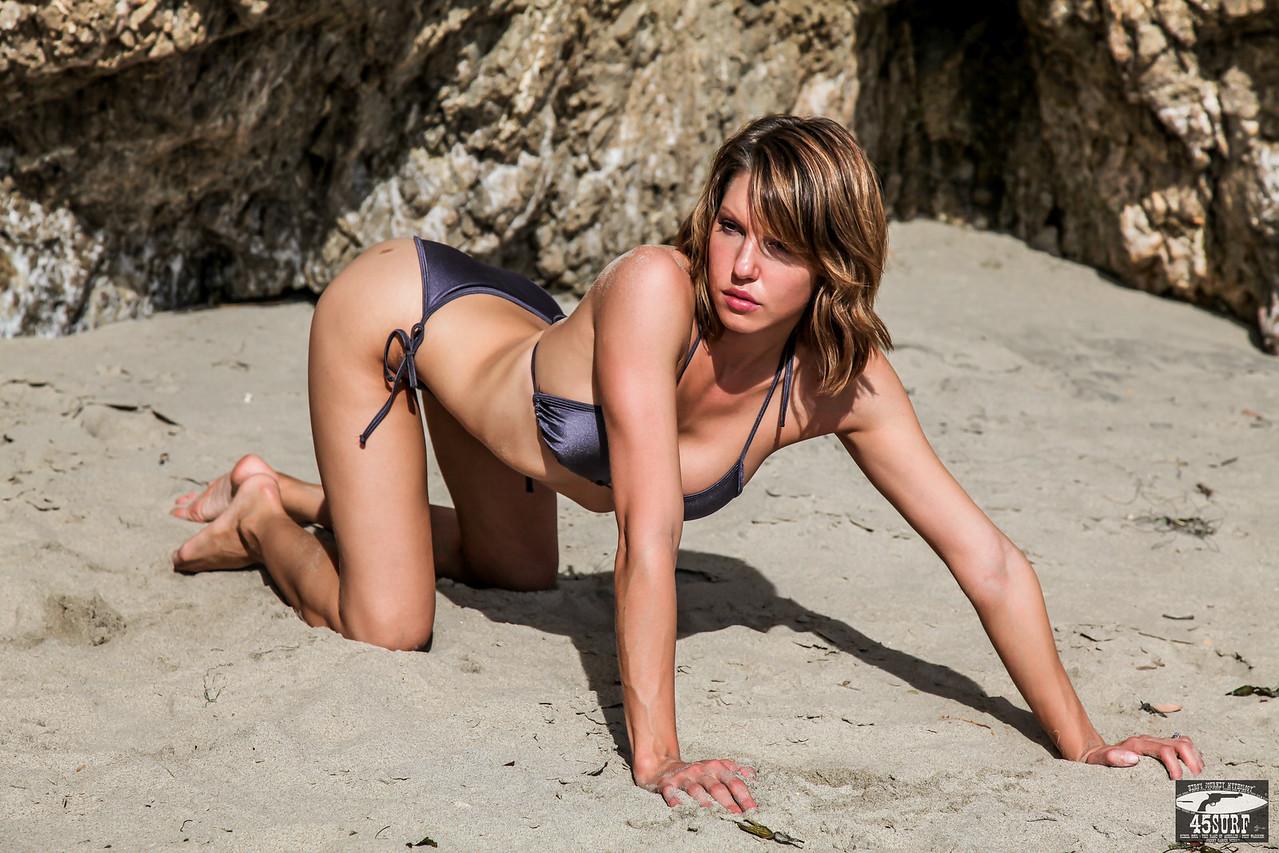 PRETTY! Canon 5D Mark II Photos of Beautiful Sandy Blonde / Brunette Swimsuit Bikini Model Goddess with Pretty Brown Eyes!