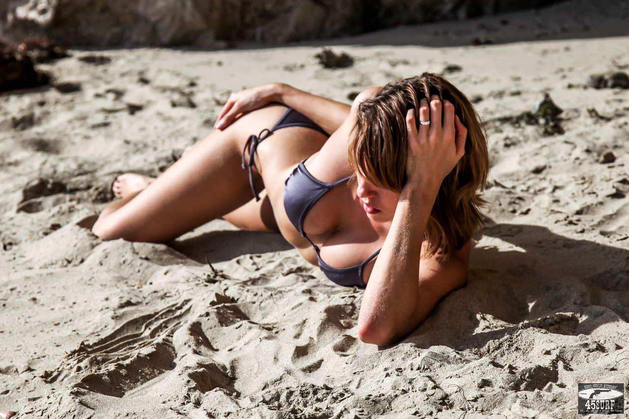 PRETTY! Canon 5D Mark II Photos of Beautiful Sandy Blonde / Brunette Swimsuit Bikini Model Goddess with Pretty Brown Eyes!