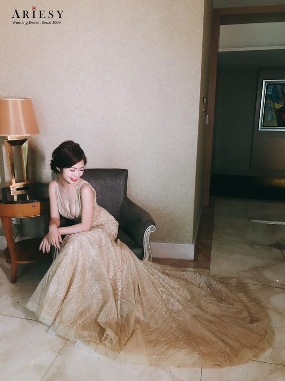 禮服出租,新莊自助婚紗,手工婚紗,婚紗包套,金色晚禮服,簡約時尚晚禮服