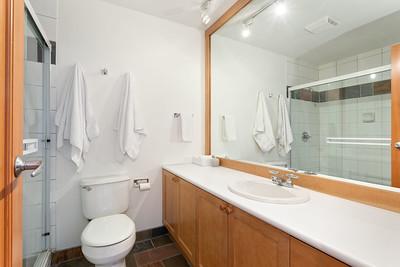 4632 Bath 1