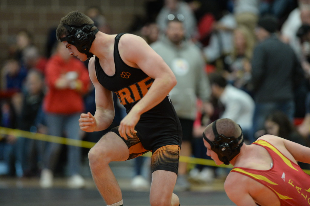 . MEAD, CO: February 16, 2019: Branson Roylance, of Erie, beats Joe Basil, of Skyline, at 152-pounds, during the 4A Regionals at Mead High School on February 16, 2019. For more photos go to Bocopreps.com. (Photo by Cliff Grassmick/Staff Photographer)