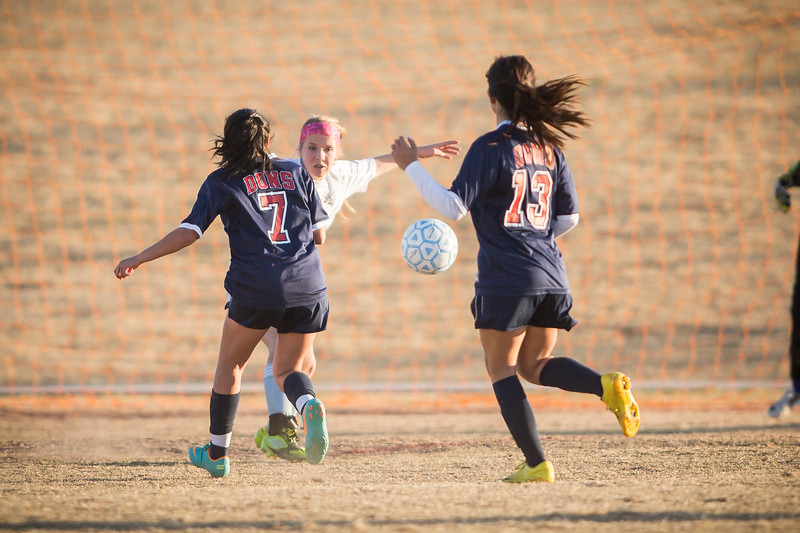 horizon_girls_soccer_10.jpg