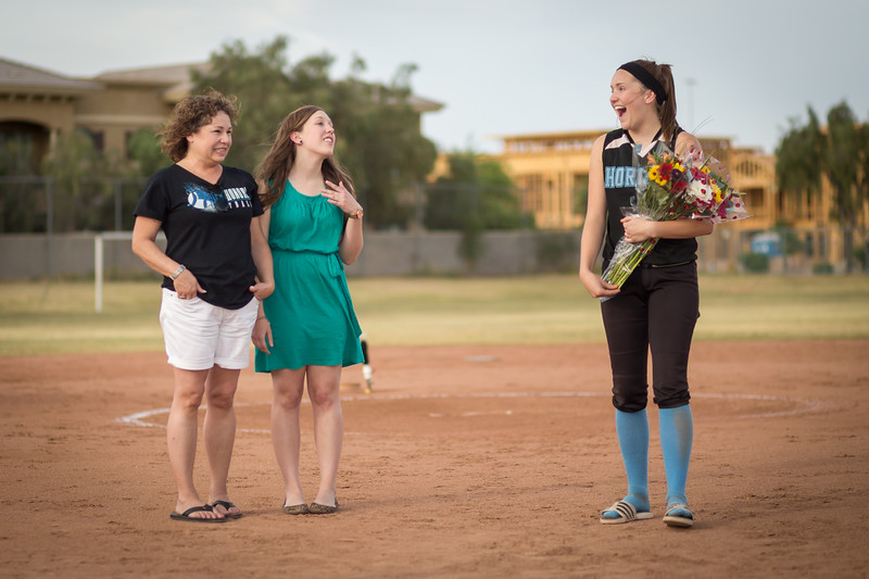horizon_softball_seniors-0405.jpg