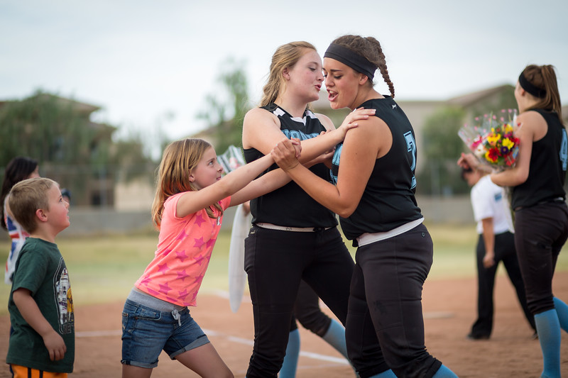 horizon_softball_seniors-0590.jpg