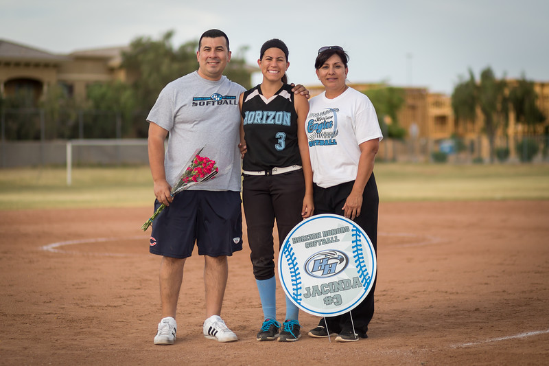 horizon_softball_seniors-0419.jpg