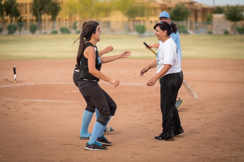 horizon_softball_seniors-0560.jpg