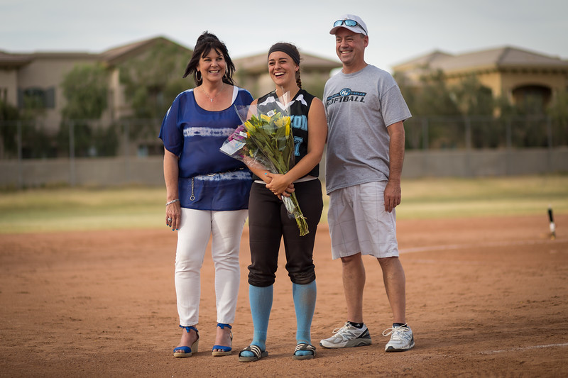 horizon_softball_seniors-0490.jpg