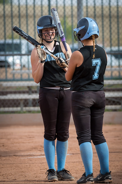 horizon_softball_seniors-0085.jpg
