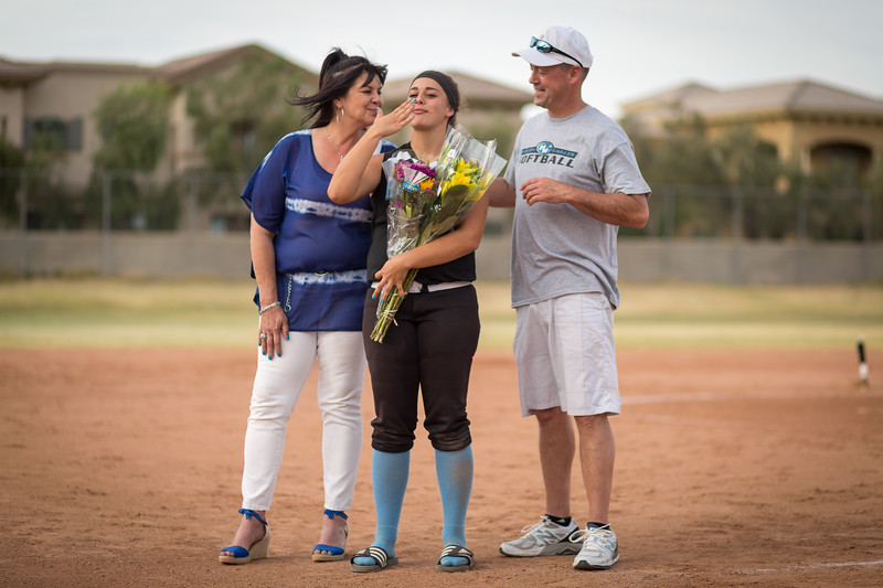 horizon_softball_seniors-0517.jpg