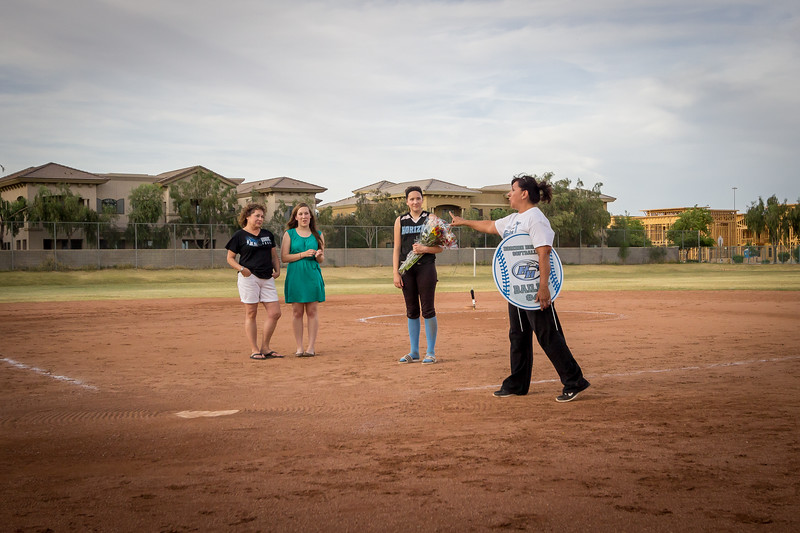 horizon_softball_seniors-4493.jpg