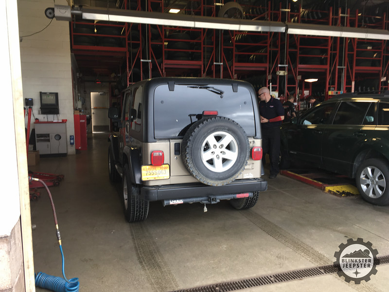 Jeep at Discount Tire Before Tire Change