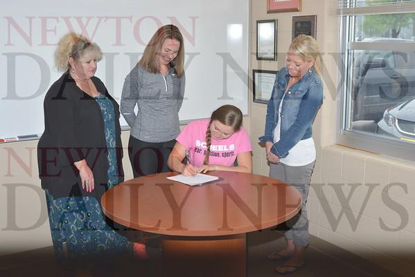 5-11 Ashley Van Gorp Signing